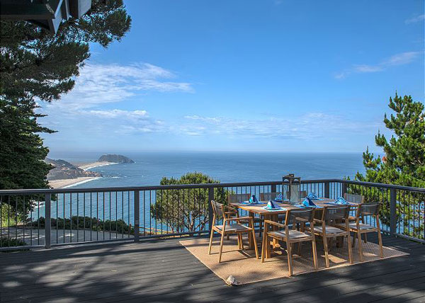 Day Residence, Exterior Architecture Deck, Big Sur, CA. 36.361475°N ,  -121.856261°W